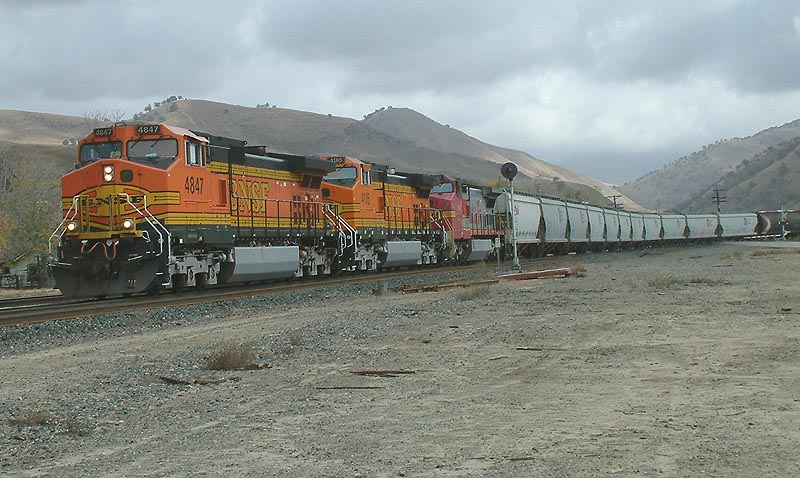 BNSF Westbound follows