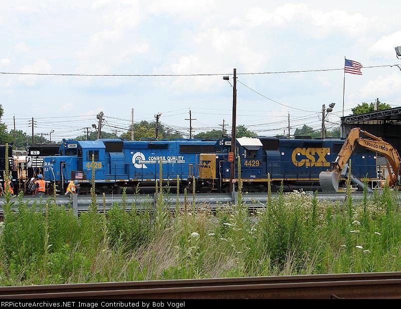 CSX 4428 & 4429