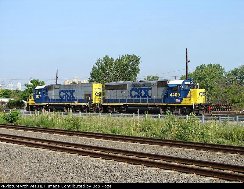 CSX 4409 & 1537