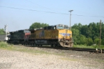 UP 5909 east with PNJX loads