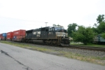 NS 2611 on the way to Detroit with containers for my drivers