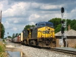 CSX 94 pulling dead 7350 and the first half of Q334-12 out of the siding