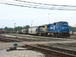 CSX 7307 & 8142 leading Q326-17 out from the back of the yard
