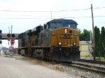 CSX 5298 & 5200 rolling west light as G010