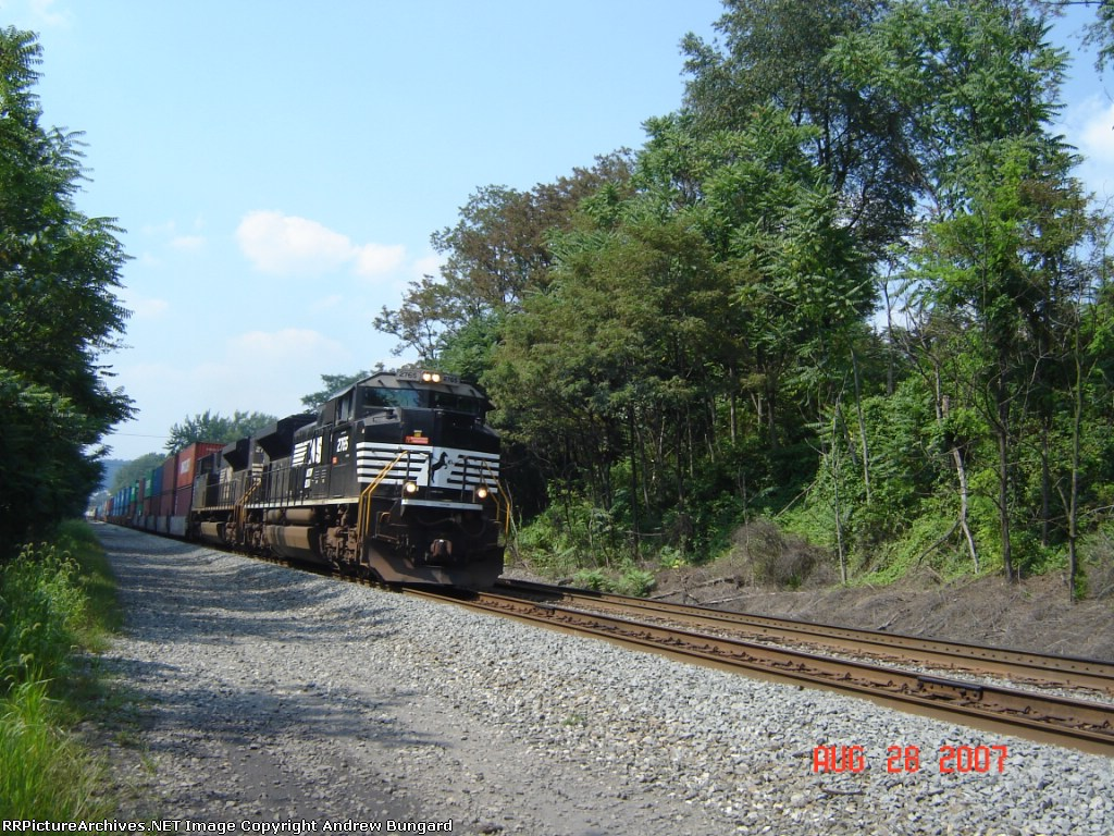 NS 2765       SD70M-2        Aug 28, 2007