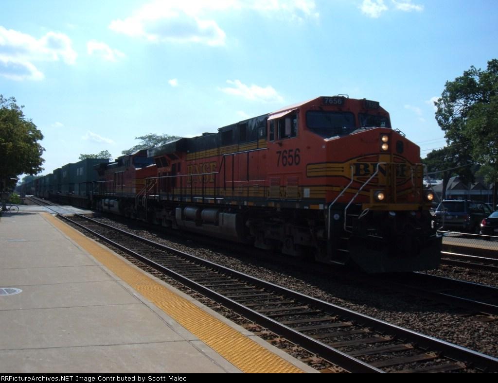 BNSF 7656 & 4644