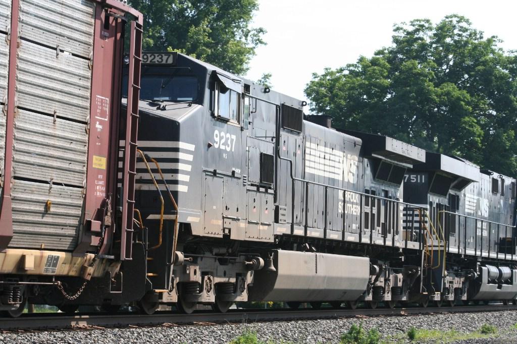 Trailing Engine on 18N