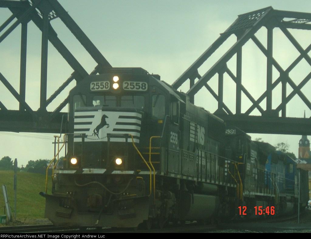 NS 2558 NS 818 coal train
