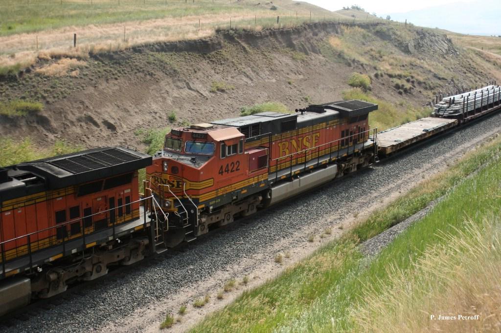 BNSF 4422 (Dash 9) on H-KCKPAS