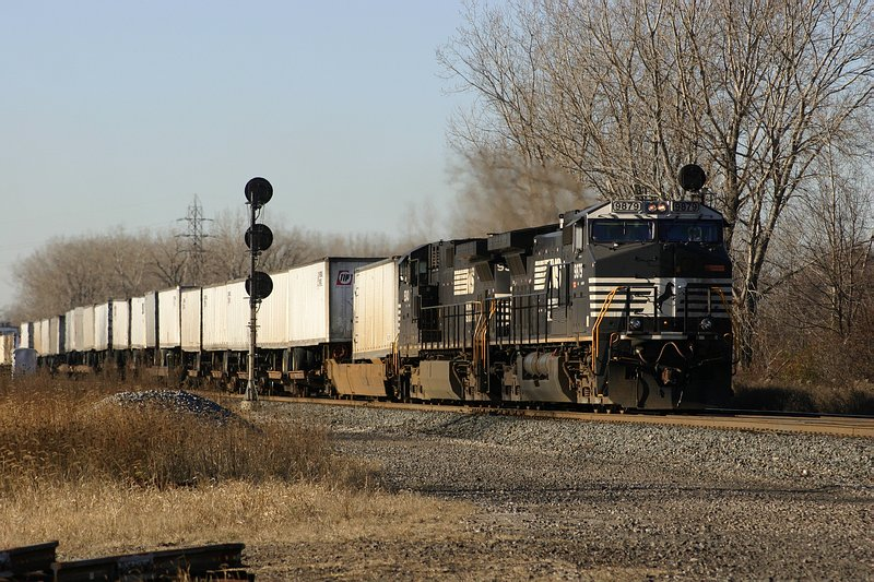 NS Eastbound intermodal train