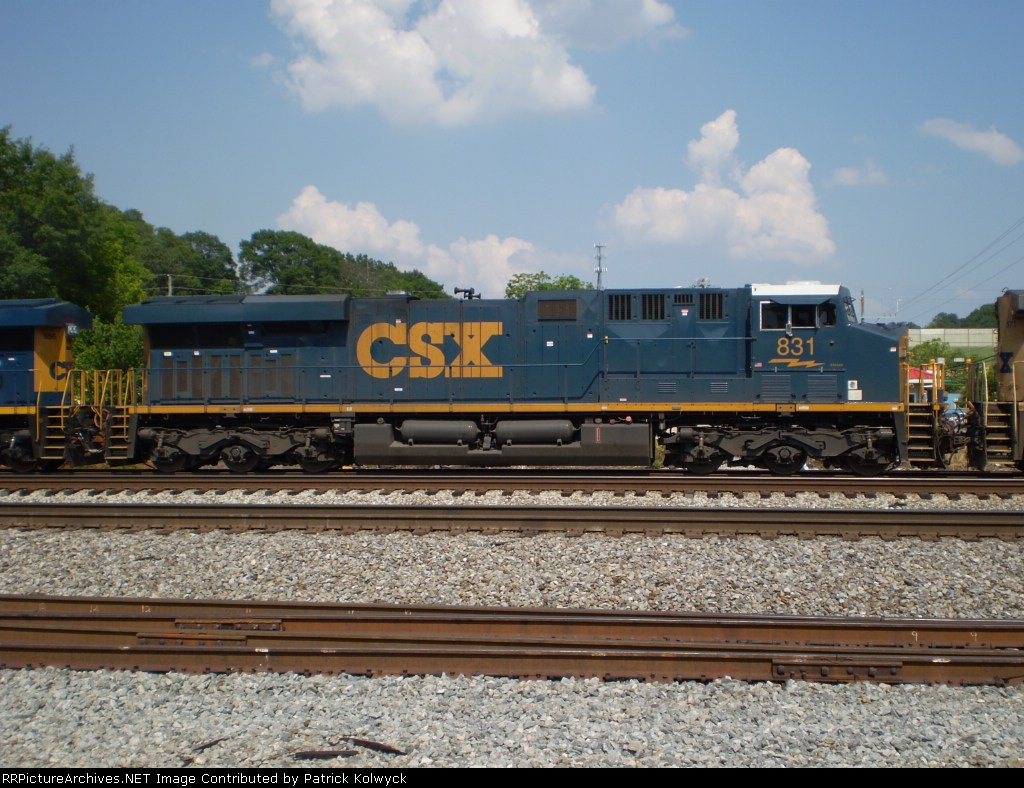 CSX 831