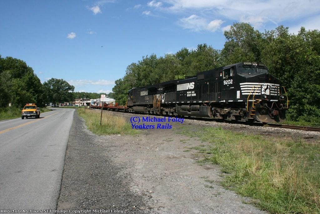 Mainline Train on The Maybrook!