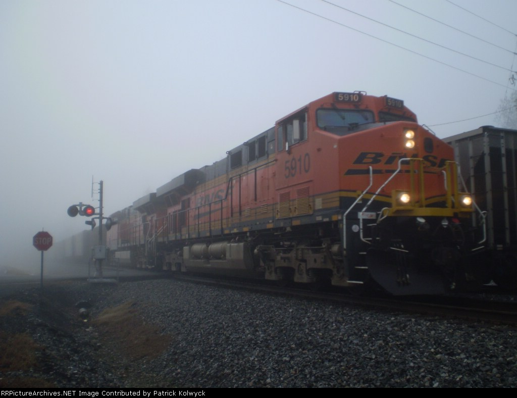 BNSF 5910
