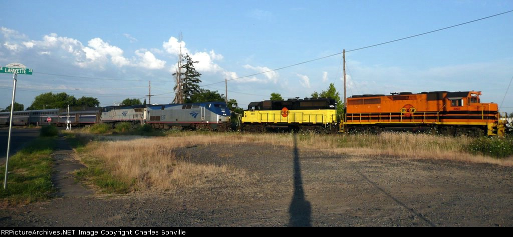 AMTK Coast Starlight Meets PNWR Yard Transfer