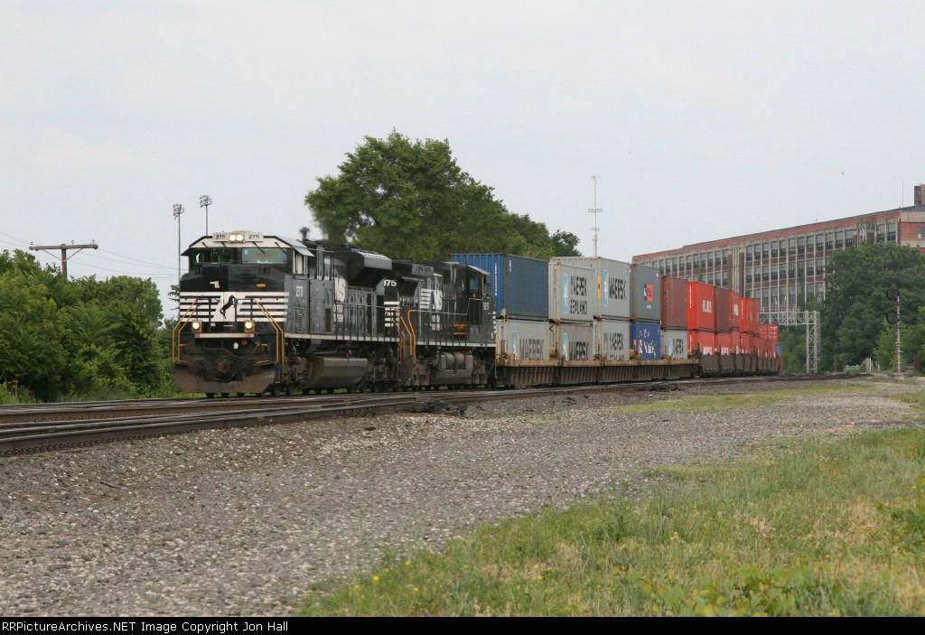 NS 2771 & 9975 leading 25K