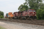 CP 9533 & 8624 charging east with 22T