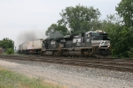 NS 2761 leading 20E as 9668 smokes it up a bit
