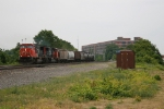 CN 5744 & 5680 bringing M393 across NS