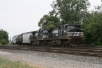 NS 9040 & 9498 rolling along with 36J