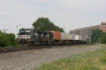 NS 9562 & 2751 racing along with 21Z
