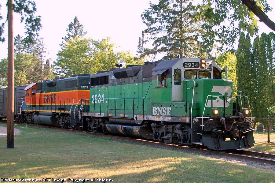 BNSF 2311 & 2934