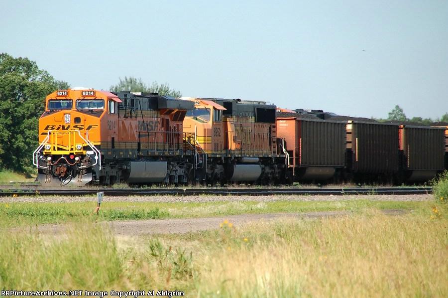 BNSF 6214 & BNSF 8952
