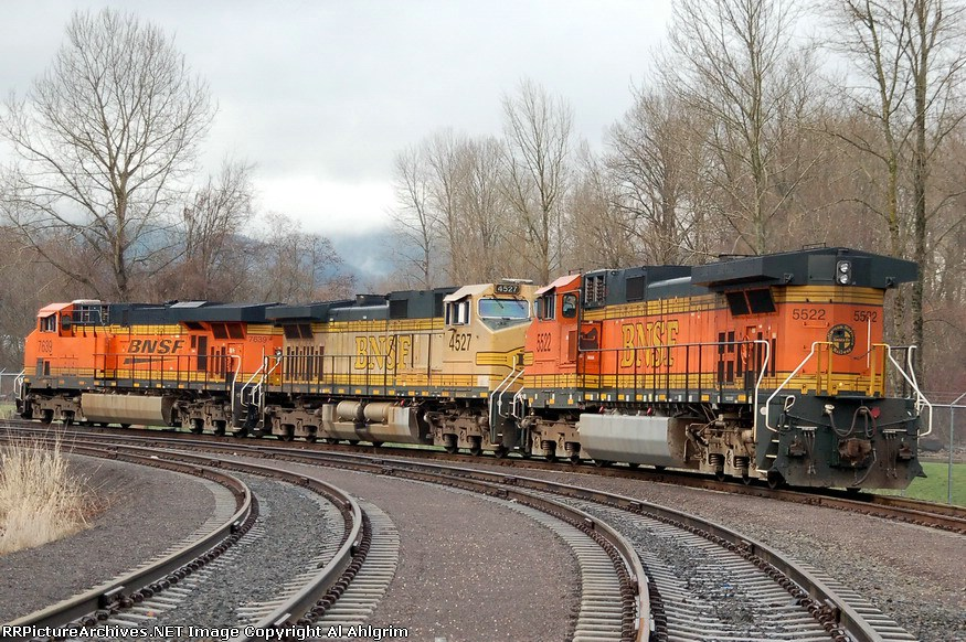 BNSF 7639, 4527, 5522