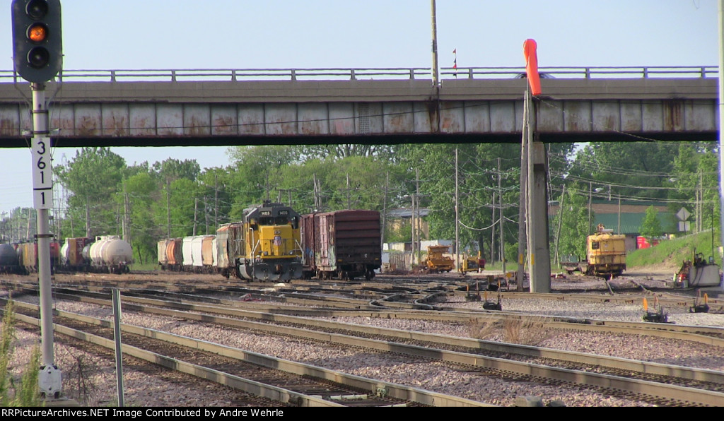 UP 1405 in the freight yard