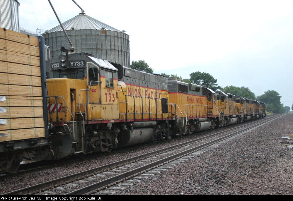 WB train at Creston,  Illinois