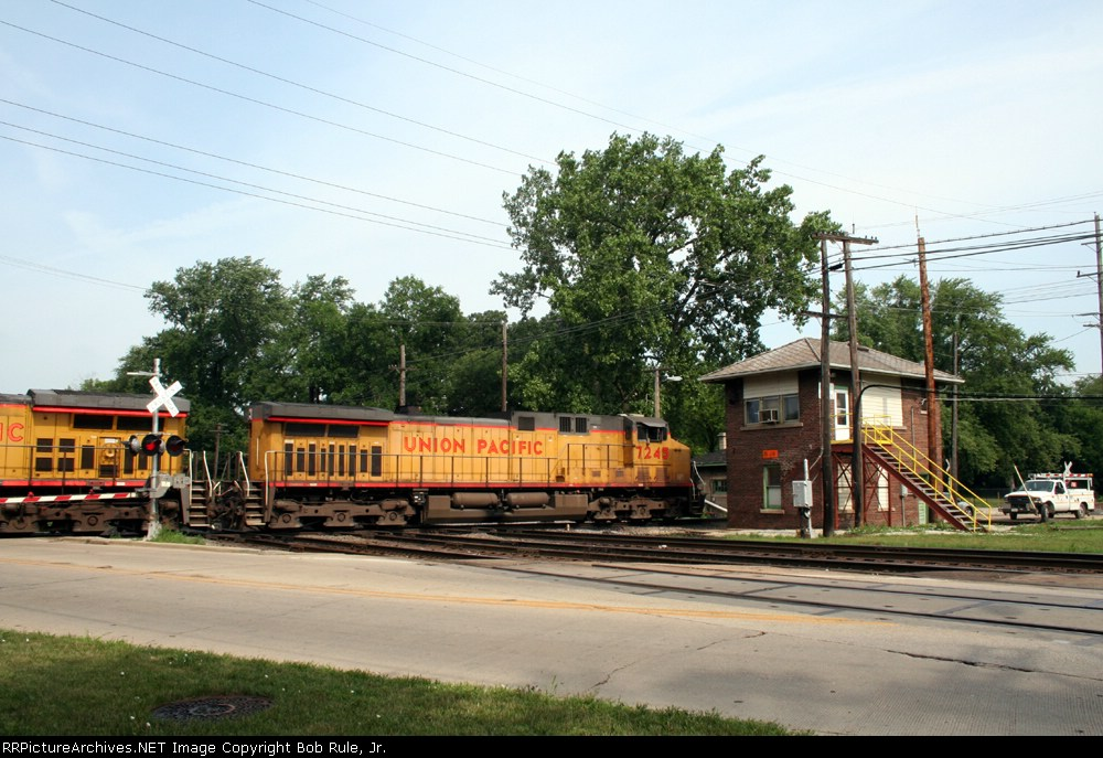 UP Coal Train on the Diamonds at West Chicago