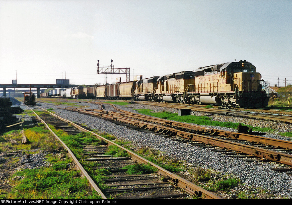 UP 3424 Leads NS No. 314