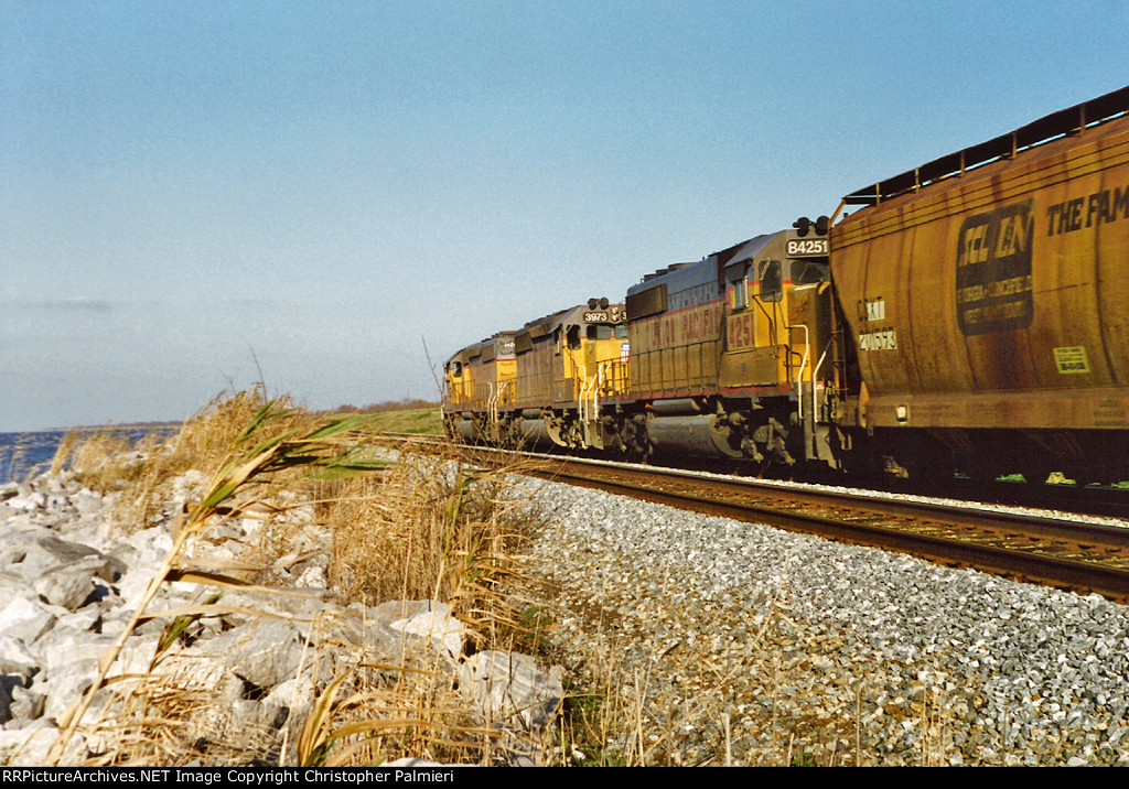 UP B4251 Trails on NS No. 314