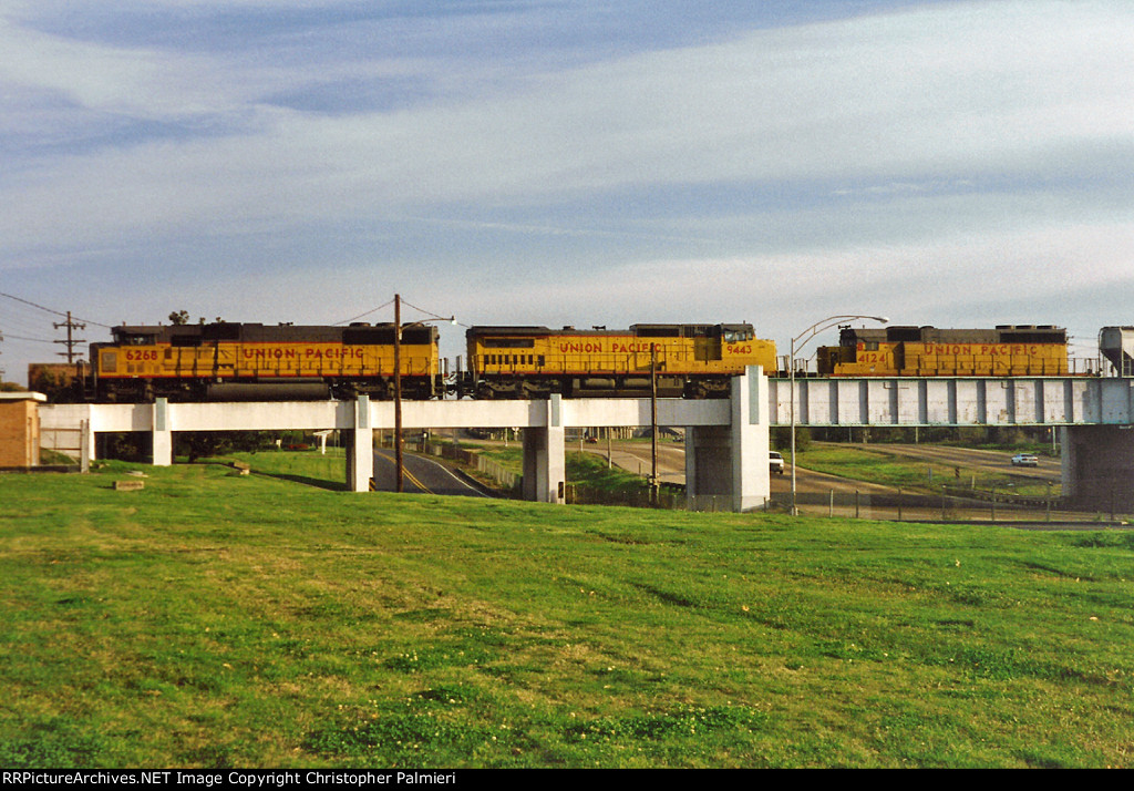 UP 6268, 9443, and B4124 Lead CSX Q-605-08
