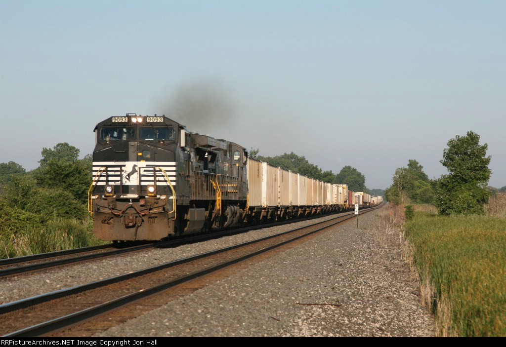 NS 9093 & 9252 leading 206 down the Chicago Line after coming off the Huntington