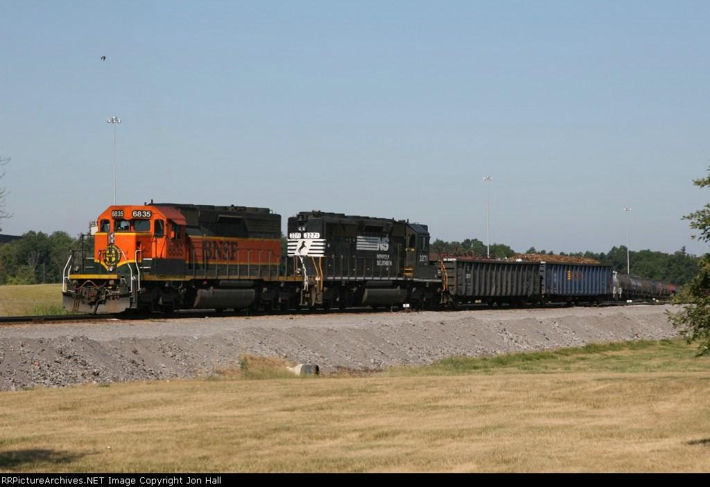 BNSF 6835 & NS 3271 working in the yard at SDI