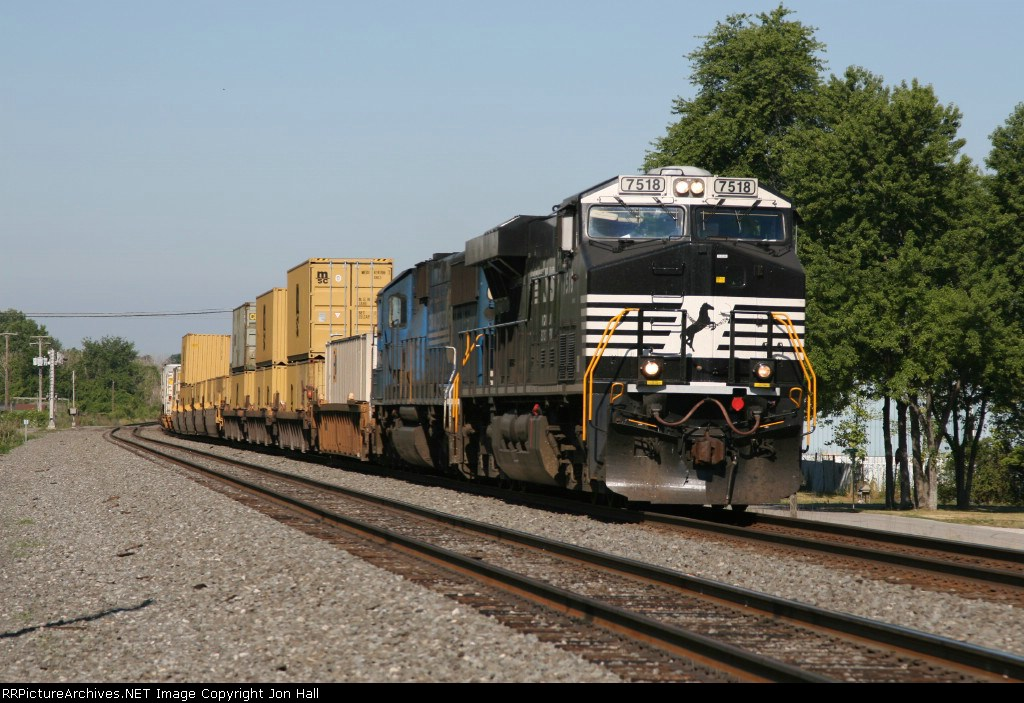 NS 7518 & 5412 leading 21K eastward