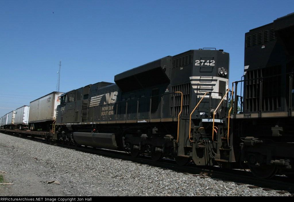 NS 2742