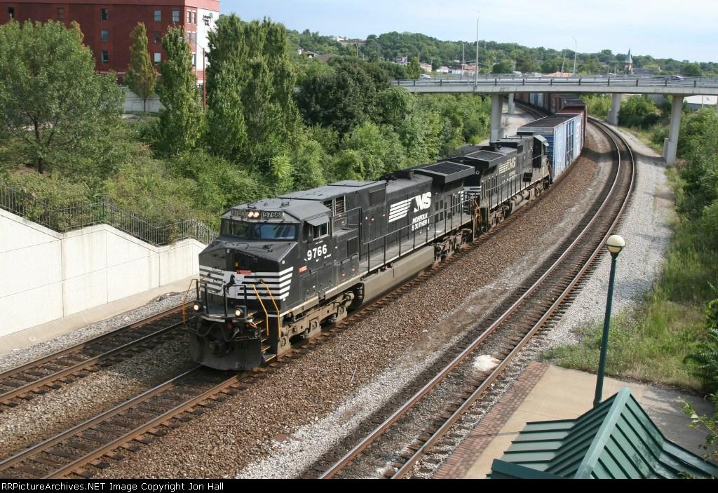 NS 9766 & 8810 rolling 122 eastward