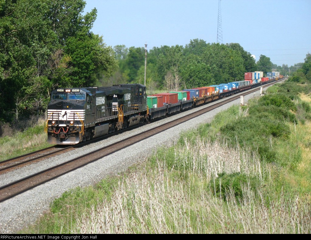 NS 9543 & 9224 charging west with 23K