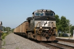 NS 9402 heading east with 559, NIPSCO coal empties,
