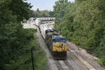CSX 257 & 405 almost ready to pull north with Q642