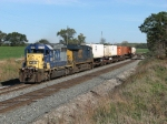 CSX 8094 & 5325 leading Q135