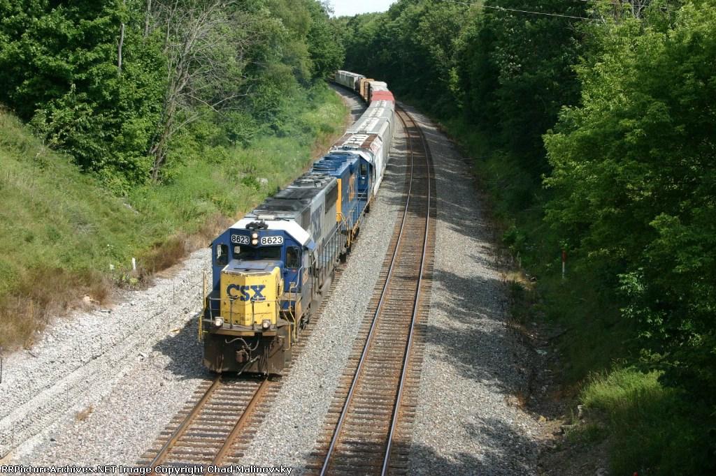 CSX 8623 drifts downgrade