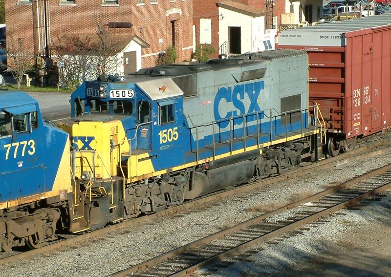 CSX 1505 on Q592