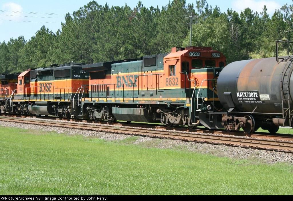 BNSF #8632