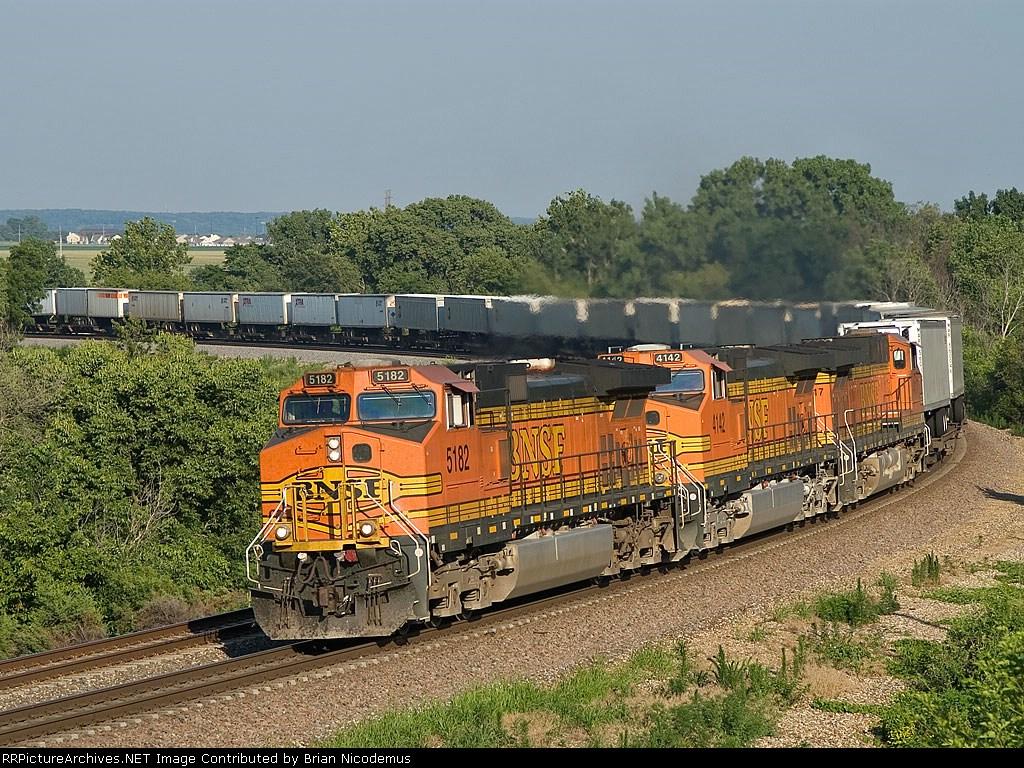 BNSF 5182