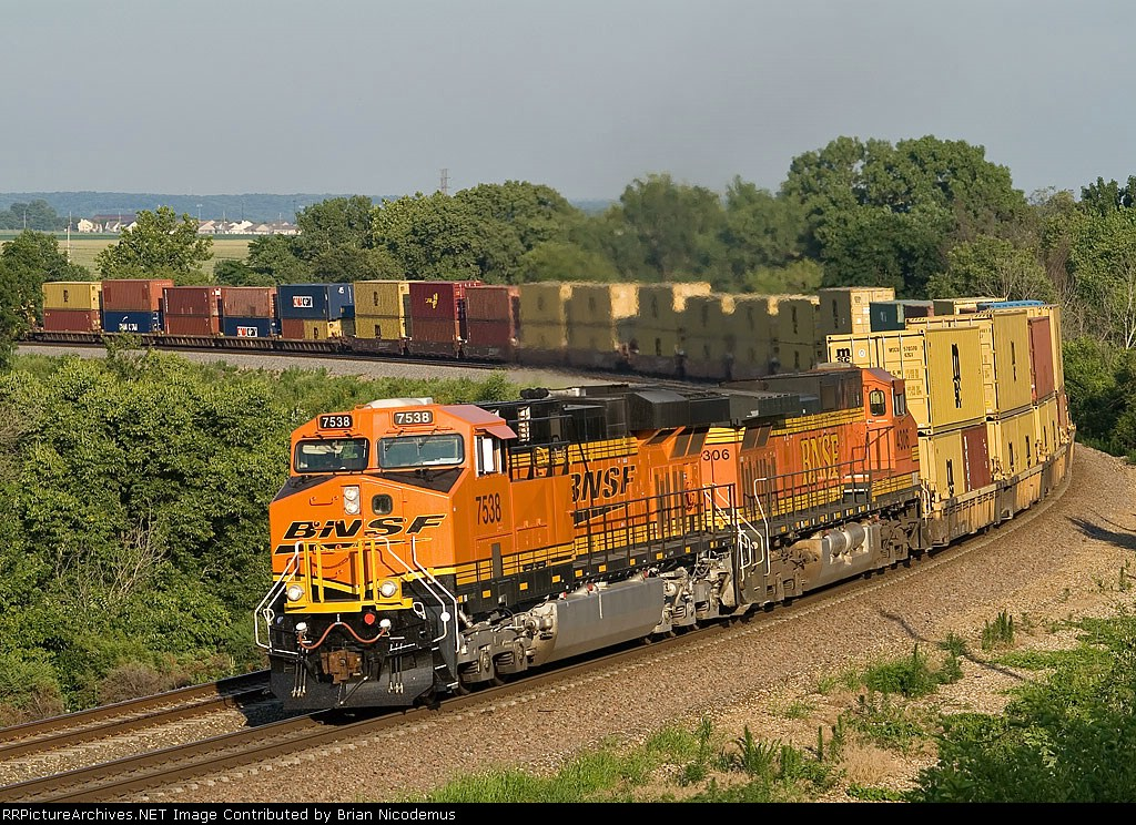BNSF 7538