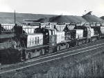 CNW 1198 & 1199 switching ore cars