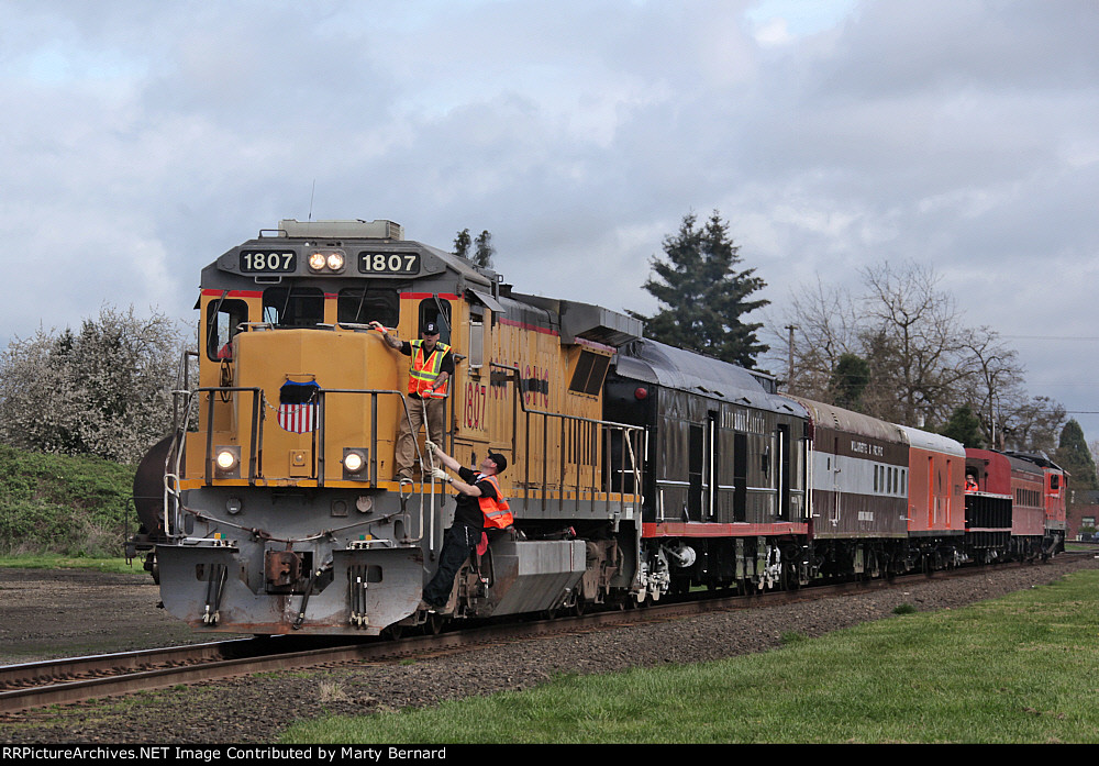 Santiam Excursion Train