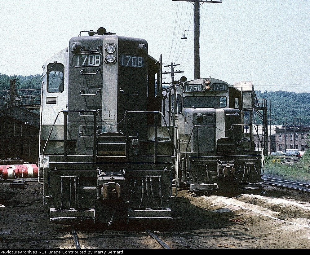 B&M 1708 and 1755, The White Nose Strip Works On the GP9 But Not the GP18.  It's 1970